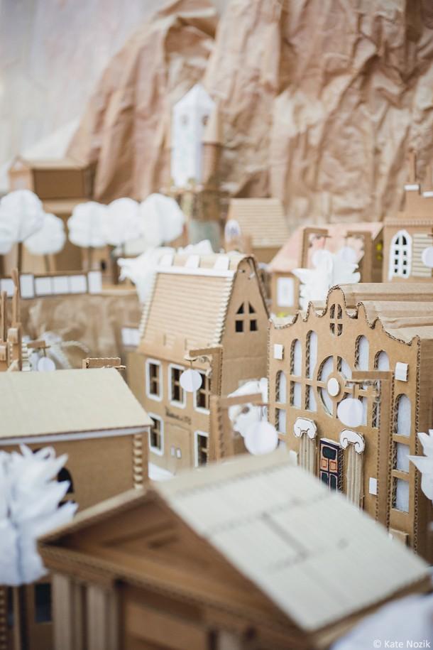 miniature-cardboard-town_13996978819_o-610x915