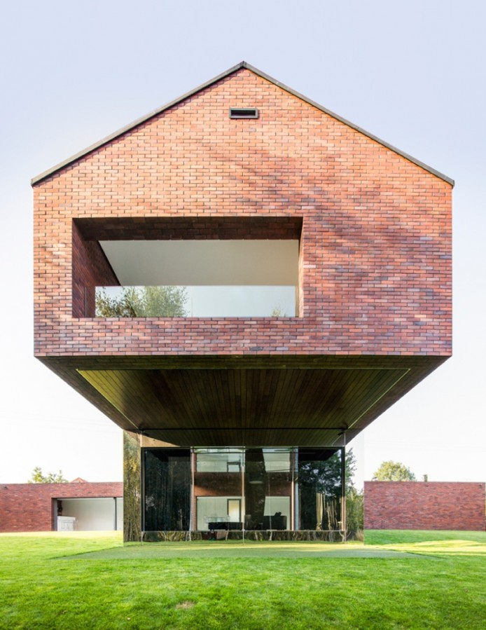 kwk-promes-living-garden-house-in-katowice-poland-designboom-02-694x899