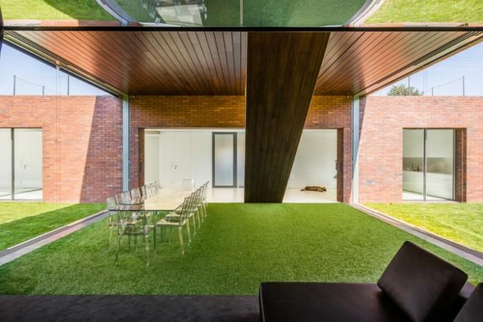 kwk-promes-living-garden-house-in-katowice-poland-designboom-05-694x462