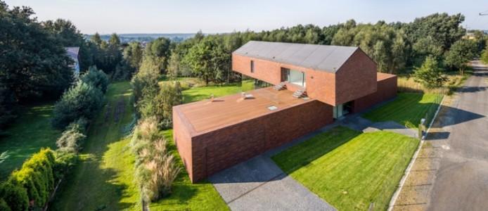 kwk-promes-living-garden-house-in-katowice-poland-designboom-11-694x300